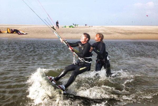 Kitesurfschool.nl_-_Practising-1