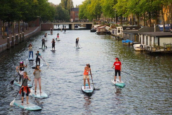 M&M_SUP_-_Paddling_on_the_canals