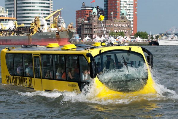 Splashtours_-_Amphibious_Bus_tour_in_Rotterdam