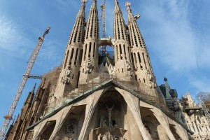 Barcelona_Hop-on_Hop-off_Bus_Tour_-_Sagrada_Familia