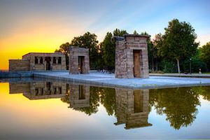 Templo_de_Debod_in_Madrid-jiuguangw(Flickr)