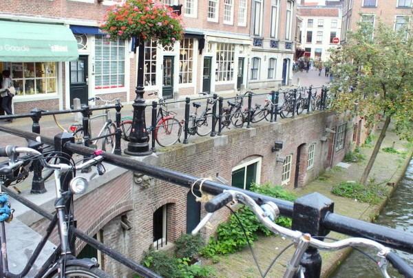 Bike_rental_Utrecht_-_Photo_Hosteldeals