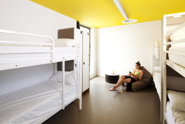 Amistat_Beach_Hostel_-_Room
