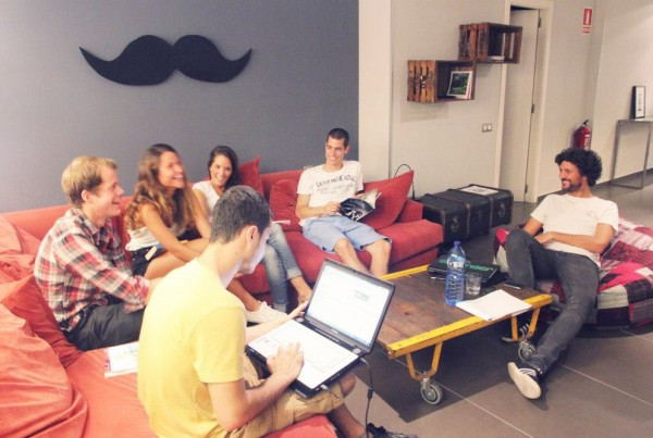 Don_Moustache_Hostel_-_Social_Room