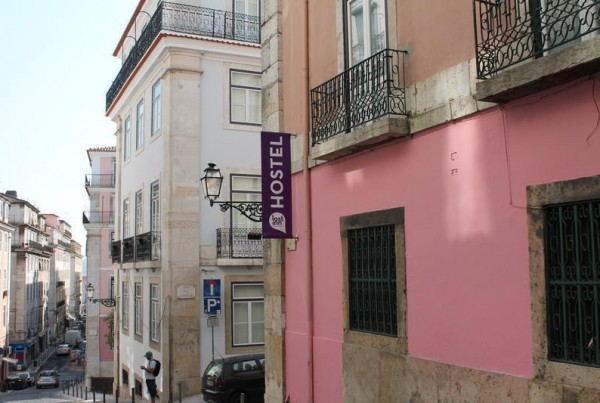 Lost_Inn_Lisbon_-_Outside