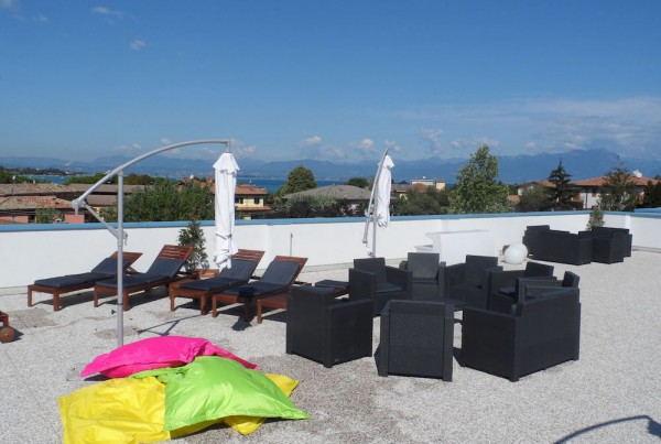 Meet_Gardalake_Hostel_-_Terrace