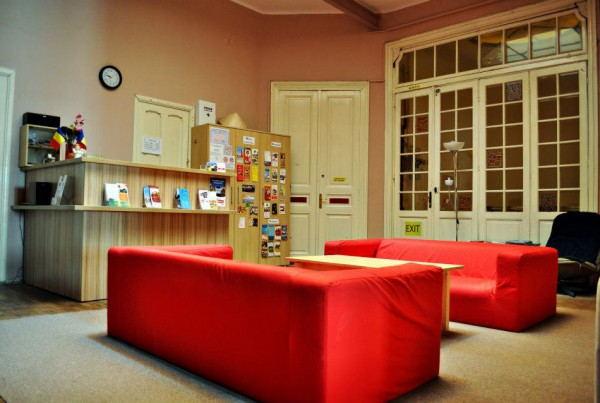 Midland_Hostel_-_Common_room