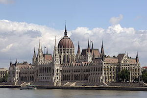 Parliament_Building_Godot13(Wikimedia)