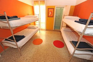 Sunflower_Backpacker_Hostel_-_Dorm