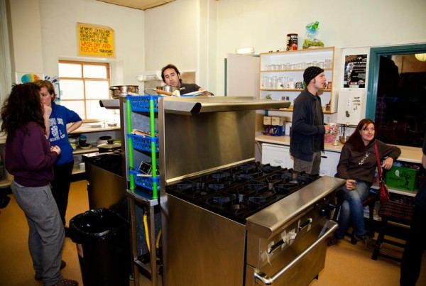 High_Street_Hostel_-_Kitchen